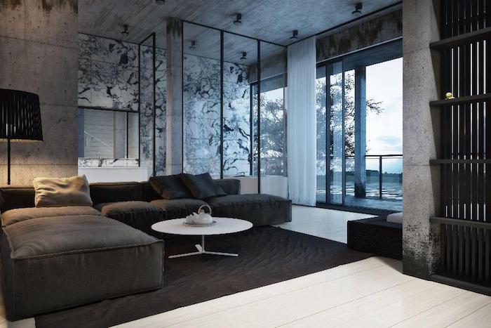 wohnzimmer weiß grau, großes schwarzes sofa, weißer boden, wand mit marmor muster