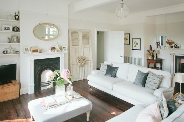 landhausmöbel idee, weiße möbel und kleine dezente dekorationen in bunten farben