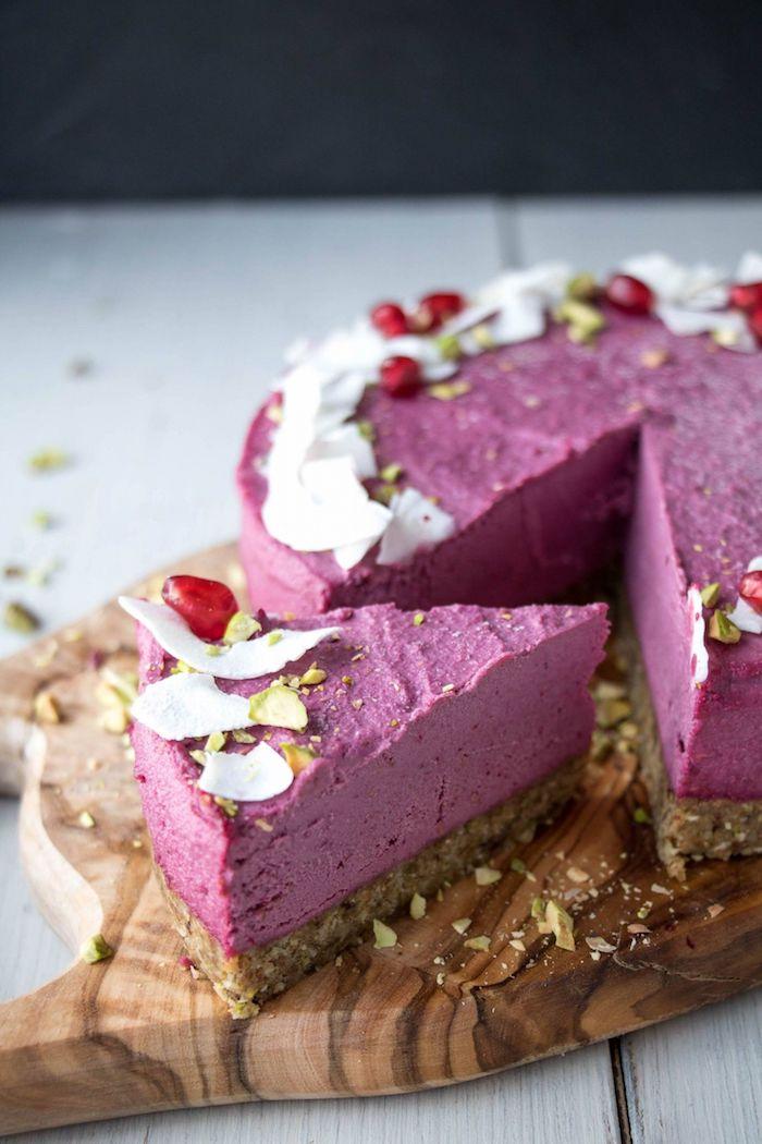 kuchen mit keksboden selber machen, eiscreme mit blaubeeren und himbeeren, kokos