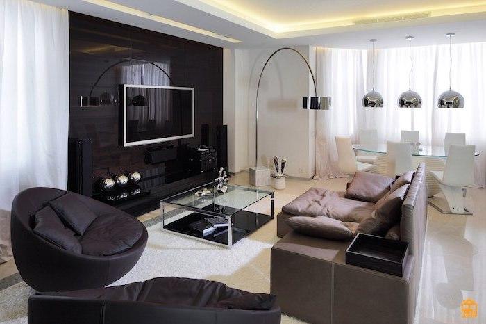 elegante deko wohnzimmer modern einrichten in schwarz, hellbraun und beige, weiß und silbern als akzentfarben bei der deko