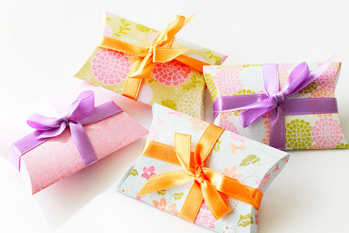 Geschenkbox kissen basteln