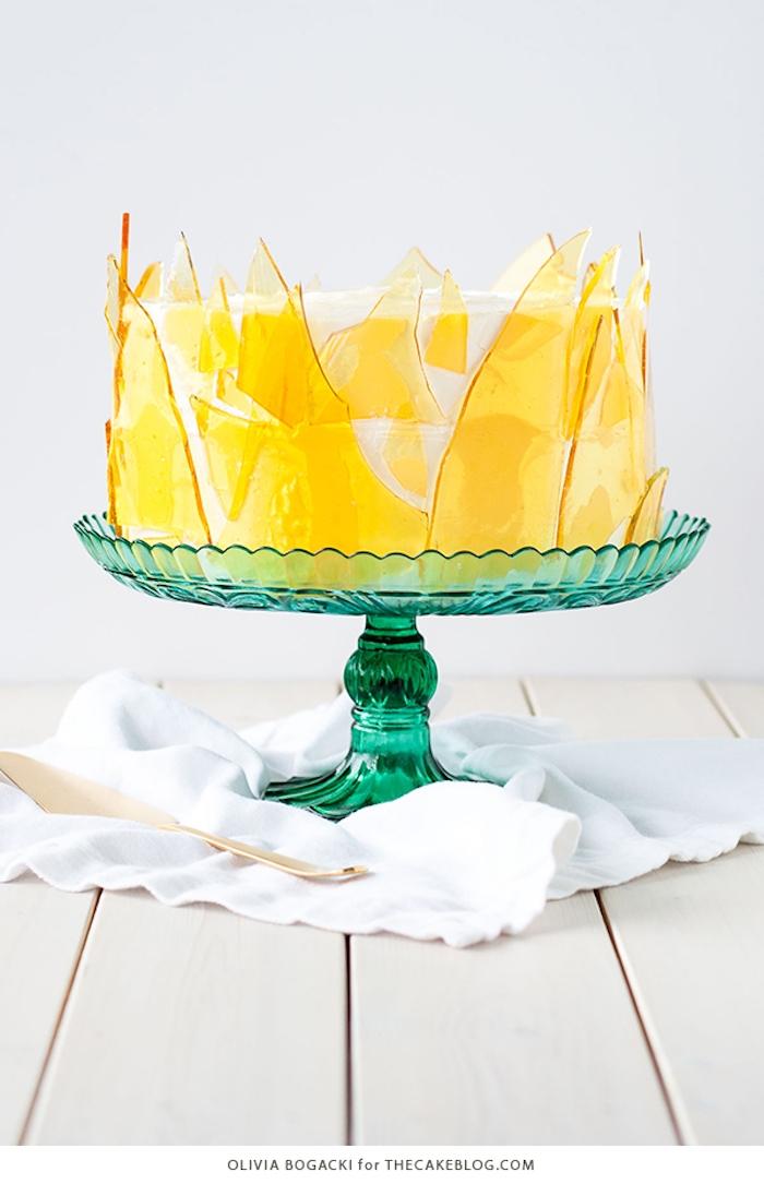 Creme Brulee Torte selber machen, Idee für kreative und leichte Geburtstagstorte