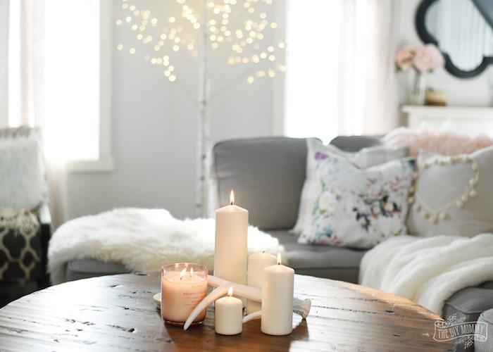 wohnzimmer ideen zum dekorieren und gestalten, kissen, fell, lichter, deko ideen, beleuchtung zu hause