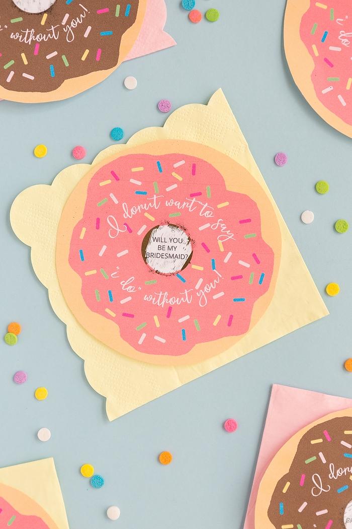 Karten in Form von Donuts selbst ausdrucken und schneiden, kleine Geschenke für Brautjungfern