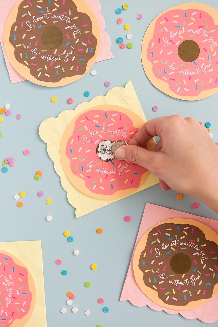 Kreative DIY Karten in Form von Donuts selbst ausdrucken, Karten mit Botschaft für Brautjungfern