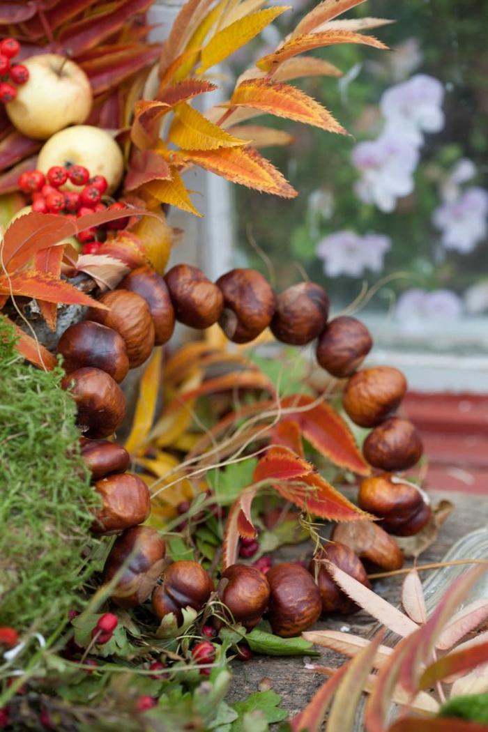 Kastanienkranz, andere Herbstdekoration, passende Dekoration zu Oktoberfest und Halloween