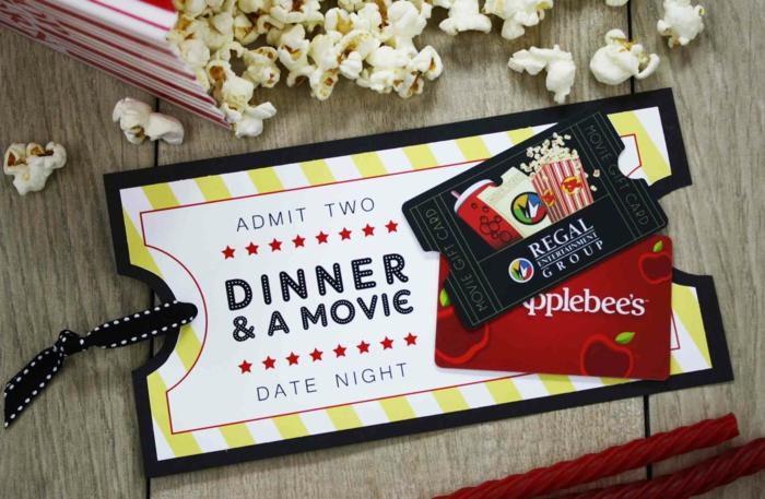 Valentinstag Geschenk, Geschenkgutscheine verpacken, Abendbrot und Kino