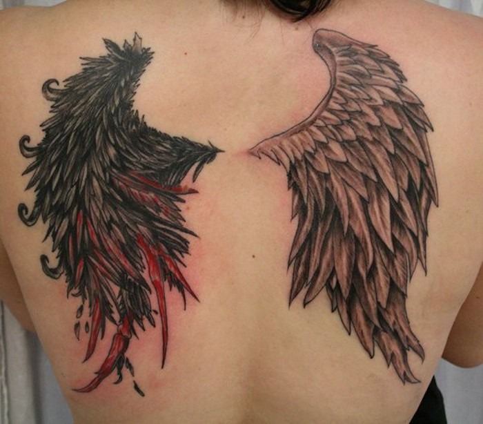 teufel und engel tattoos für frauen, rücken tattoo, zwei verschiedenartige flügel