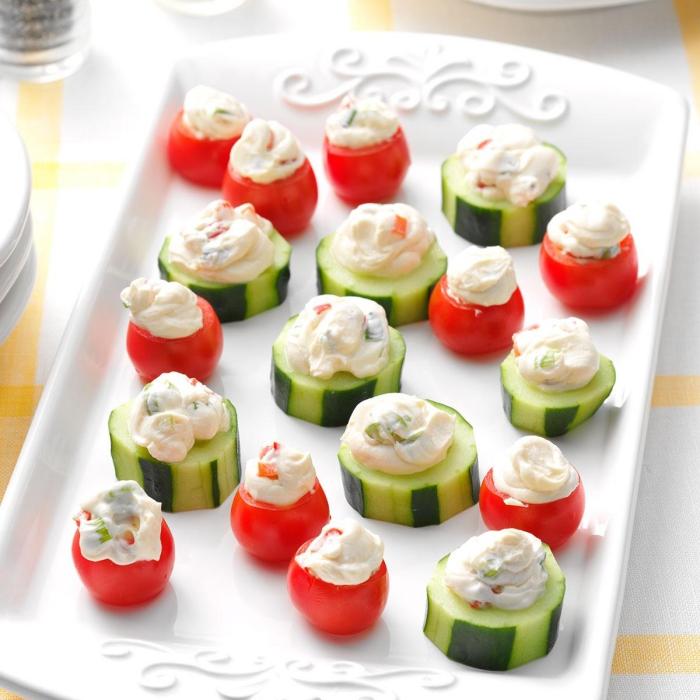 fingerfood schnell, cherry tomatne und scheiben gurken mit frischkäse, partyessen