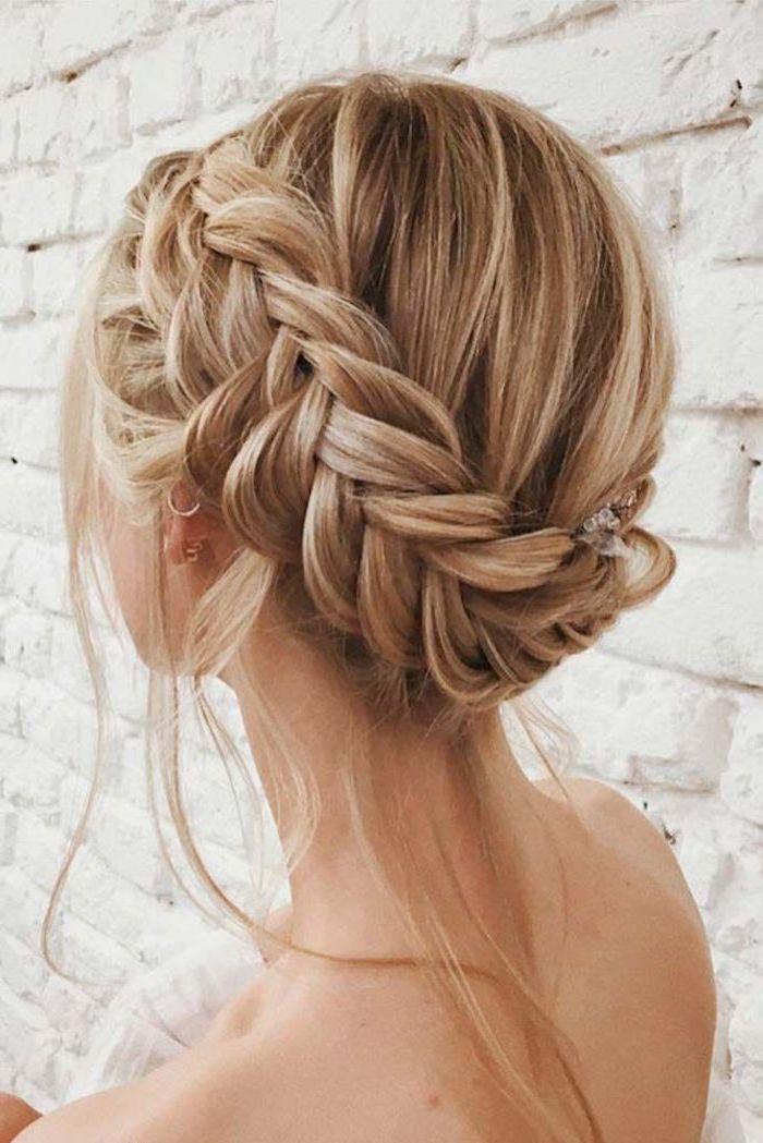 blonde mittellange haare schnitt und frisur, zopf selber flechten, lange dünne haare pflegen, sommer frisur