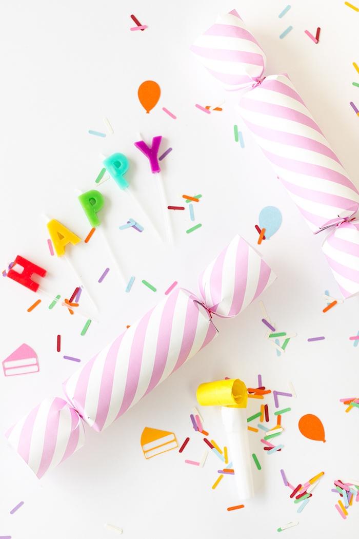 Knallbonbon voll mit Konfetti selber machen, bunte Kerzen für Geburtstagstorte Happy