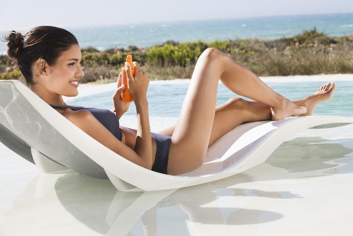 Richtiger Sonnenschutz, Lichtschutzfaktor von mindestens 30 verwenden, wasserfeste Sonnencreme