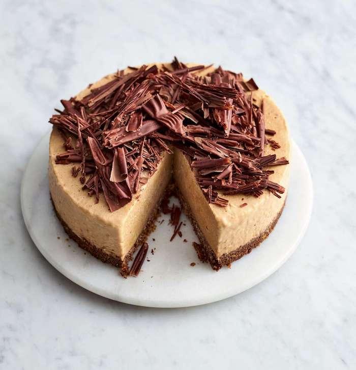 kuchen mit keksboden zubereitung, creme mit erdnussbutter, keksen mit schokolade