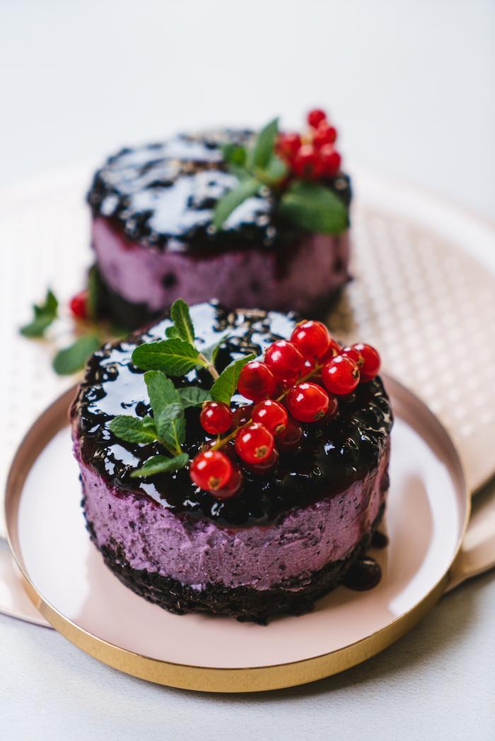 Schnelle Nachtisch Rezepte für den Sommer, Cheesecake ohne Backen mit Blaubeeren