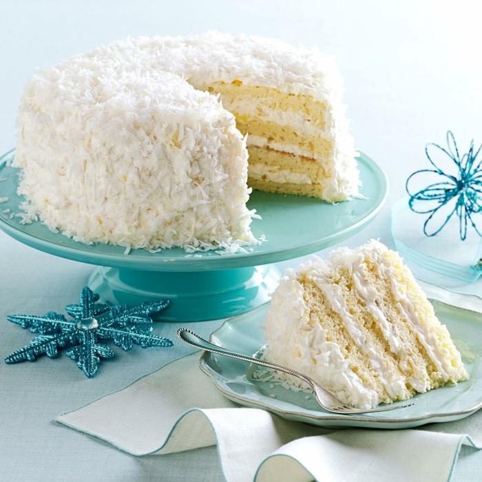 weißer Kuchen zu Weihnachten, Kuchen Backen, Kokos Torte mit Kokos Creme und Kokosraspeln