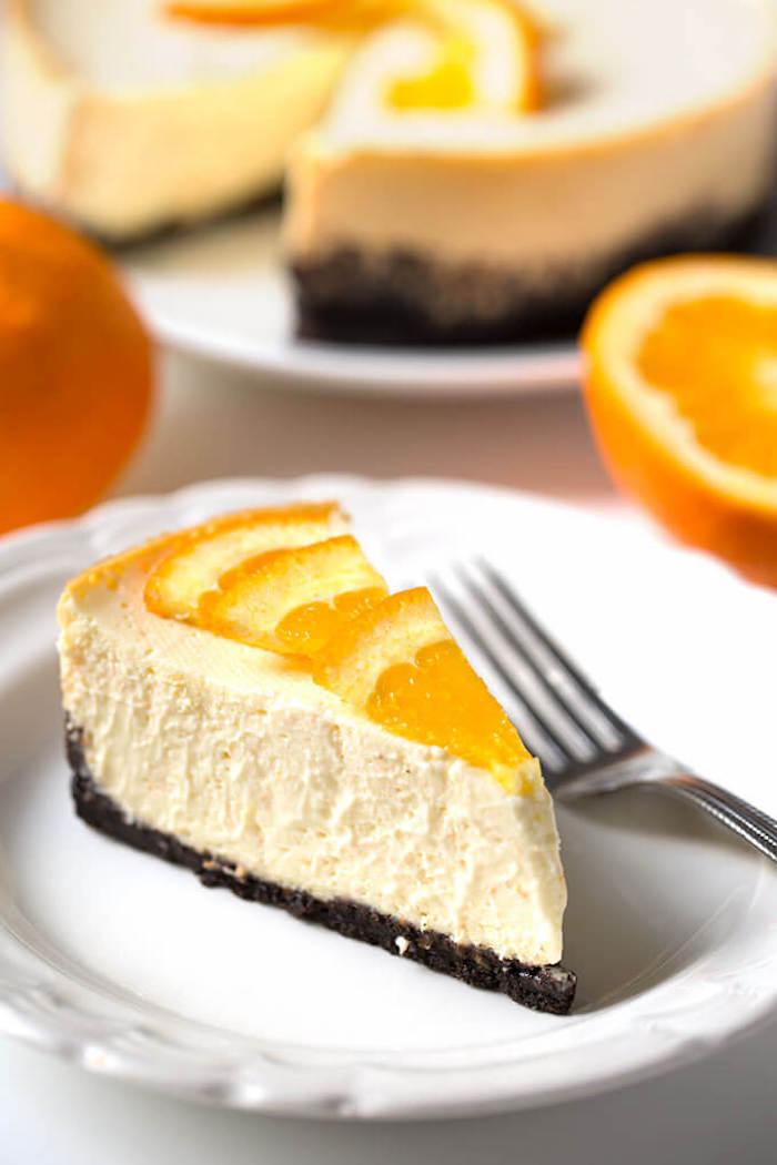 philadelphia kuchen mit orangen, orangenscheiben, frischkäsekuchen mit obst