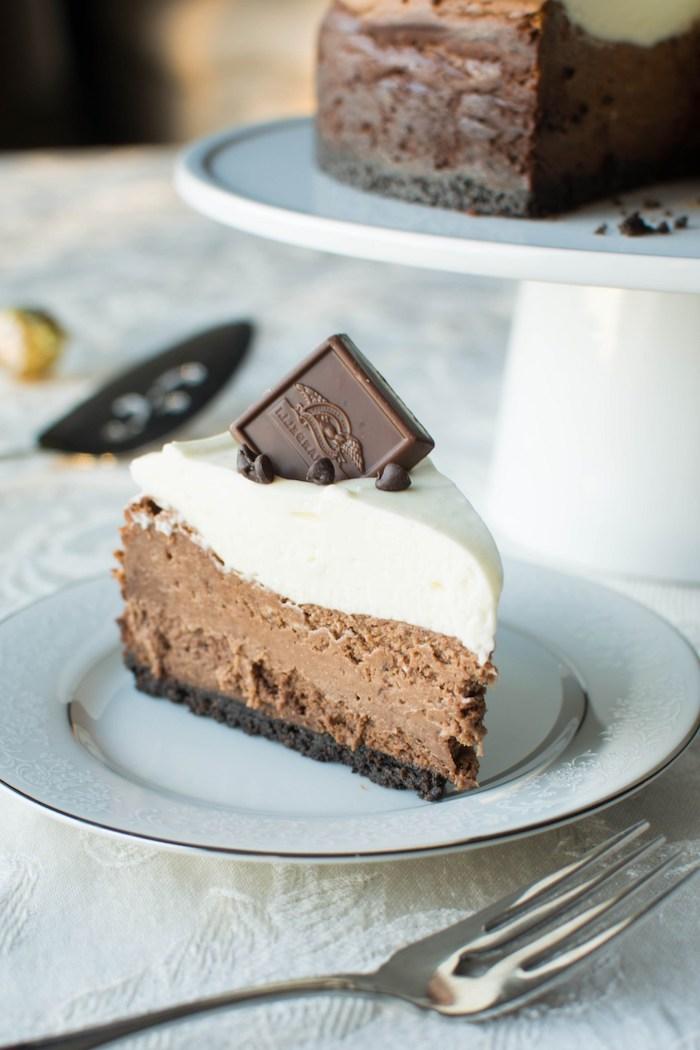 philadelphia torte ohne backen, tripple schokolade, stück käsekuschen, taffel milchschokolade
