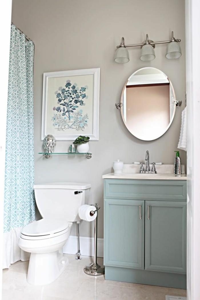 Badezimmer einrichten, blaue Vorhänge, modernes Badmöbel Set, ein blaues Bild, Marmor Boden