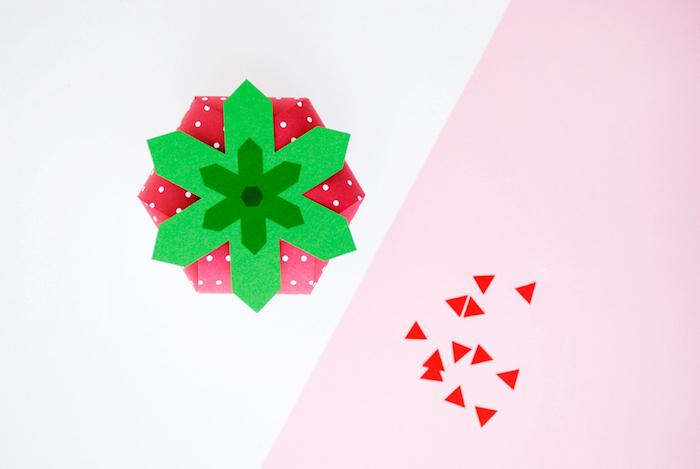 geschenkbox erdbeere, schachtel bastlen, diy bastelideen, geschenkideen