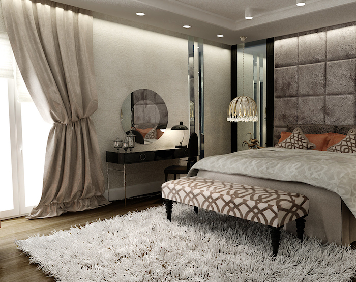 schlafzimmer ideen, langer hocker, flauschiger teppich, boden aus holz, runder spiegel mit tisch