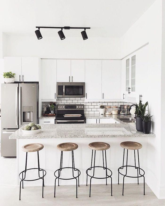 Schmale kche ideen schmale kuche essplatz mit esstisch for Kleine kuche mit sitzplatz
