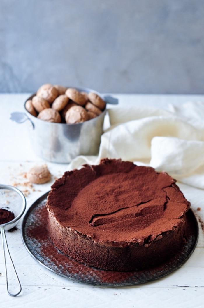Einfache Schokoladentorte mit Kakao, leckeren Nachtisch selber backen