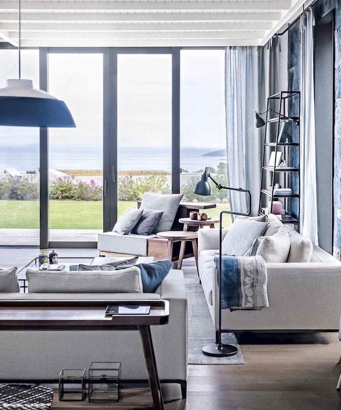 grau und blau, wohnzimmer ideen modern, blaue lampe, viele schöne und hochwertige möbel zu hause, blick nach außen, fenster anstelle von wände