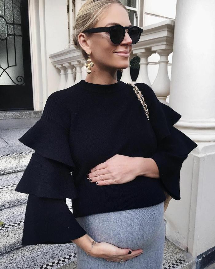 dunkles Kleid aus zwei Teilen, eine schwarze Bluse, ein grauer Rock, Umstandkleider Hochzeit