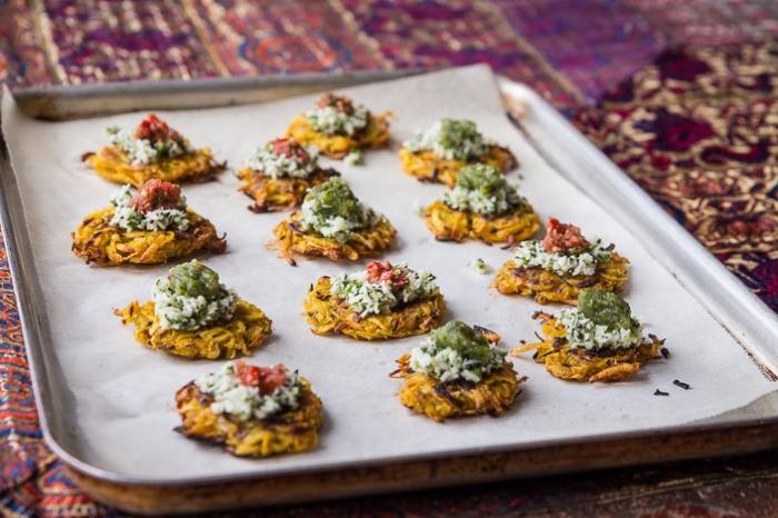 häppchen aus käse und gewürz, silvester fingerfood häppchen, schnelle partysnacks zubereitung