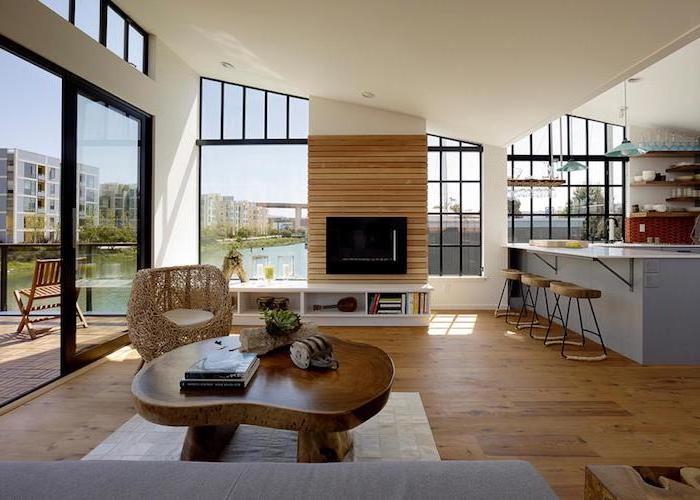 moderne ideen wohnzimmer, holztisch, fernseher, bar zum sitzen, schöner ausblick