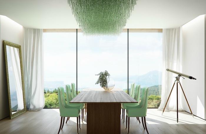 weiße wandfarbe mintgrün kronleuchter, eckifer tishc aus holz, sechs stühle, große fenster