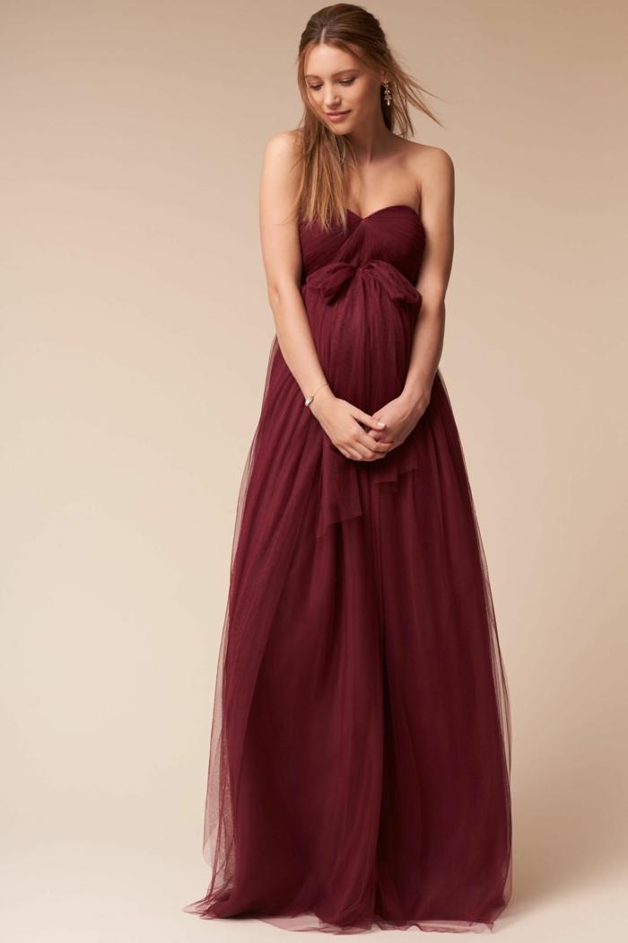 Umstandskleider Hochzeit, ein elegantes Kleid in weinroter Farbe, Klein in nackten Schultern