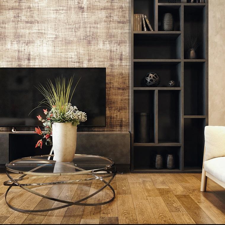 die einrichtung im wohnzimmer modern, glastisch, deko auf dem tisch, blumenvase, fernseher, regale, parkett oder laminatt