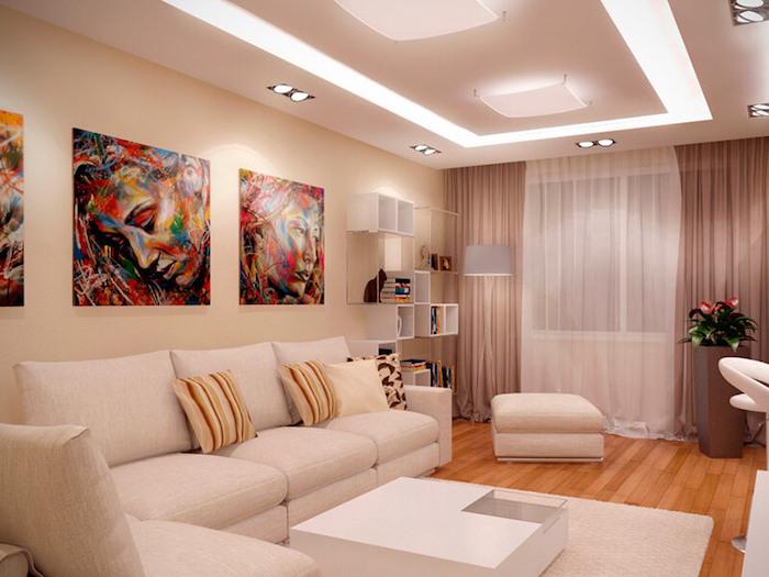 bunte wandbilder als deko wohnzimmer modern, krasse farben, gesichter von menschen, weißes sofa, parkett boden