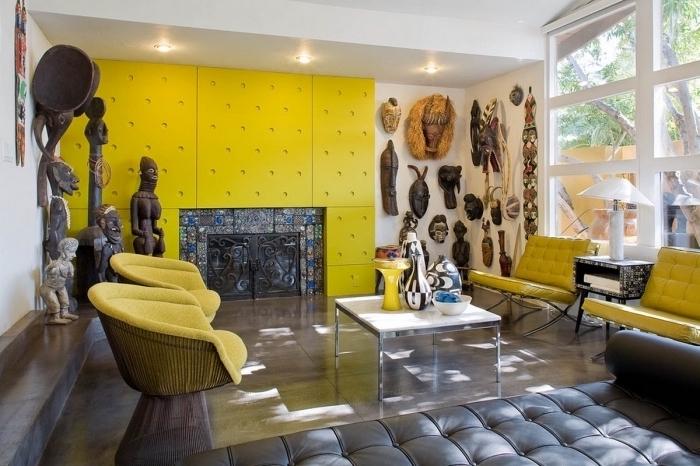 einrichtungsideen wohnzimmer in weiß und gelb gestalten und mit afrikanischen elementen dekorieren, gelbe sessel, modernes zimmer