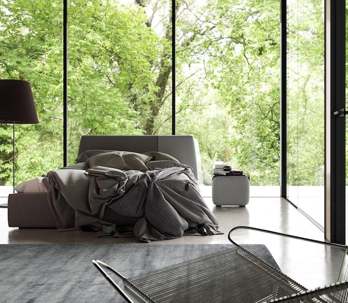 Zimmer Einrichten Ideen, Minimalistische Einrichtung, Große Fenster, Graues Bett  Schlafzimmer Gestalten: Das