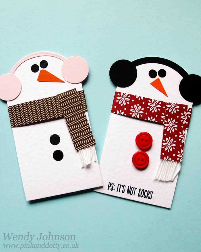 zwei Schneemänner mit Kopfhörern und Schalen, Geschenke originell verpacken