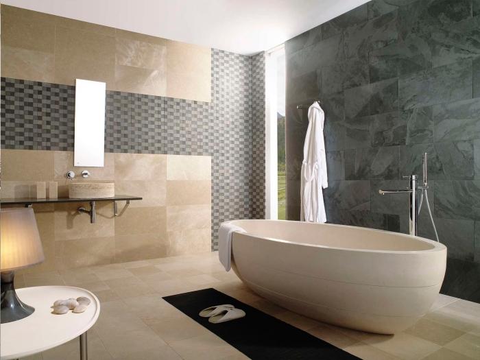 zimmer einrcihten, badezimmer in beige und grau, freistehende badewanne, mosaik flesen