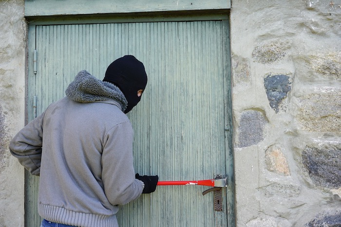 einbruchschutz - damit die einbrecher draußen bleiben