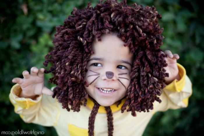 ein Löwe Kostüm mit der passende Schminke, Last Minute Halloween Kostüm, Halloween Schminke Kinder