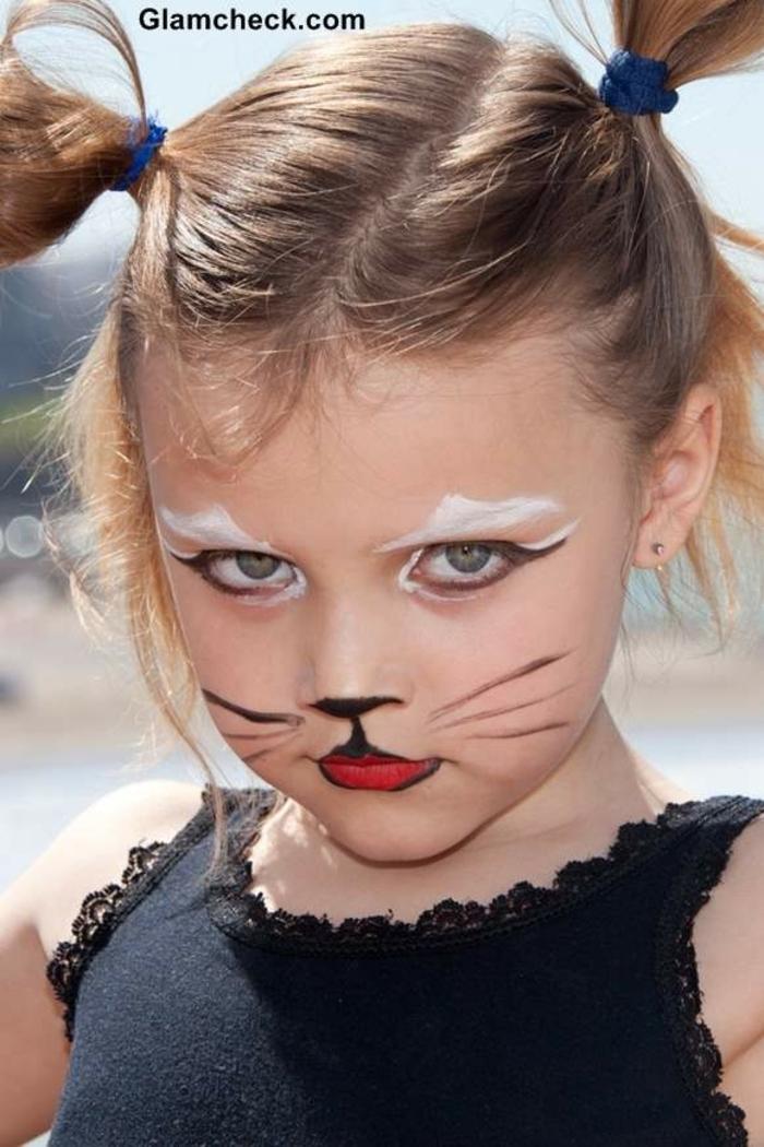 ein niedliche kleine Dame mit Katzenschminke, Schminktipps für Halloween
