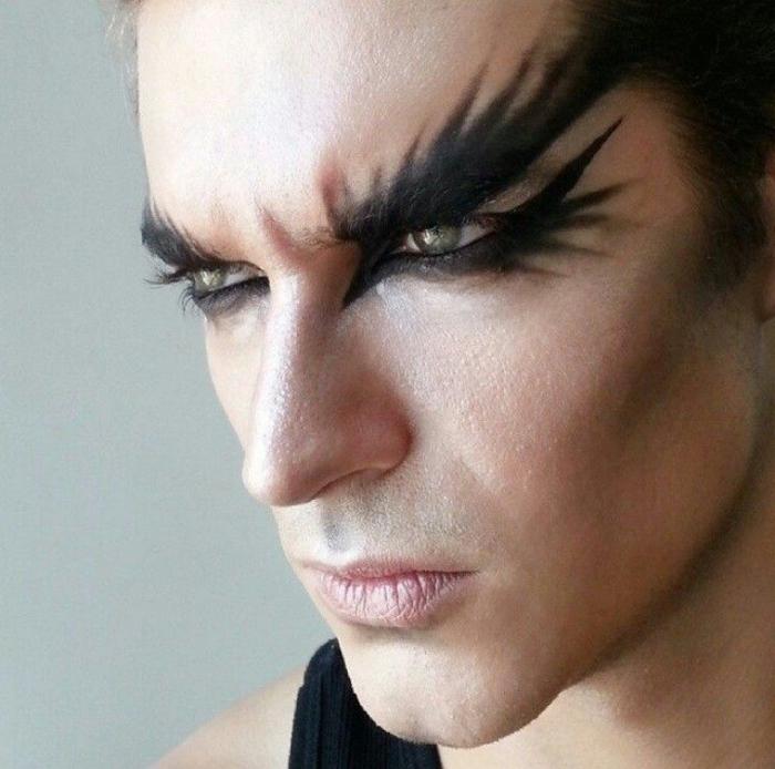 einfaches halloween make up für mann, grüne augen, schwarzer lidschatten, elf schminken