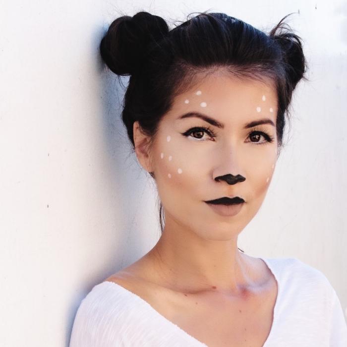 einfaches halloween make up, reh schminken, schwarze haare, zwei dutts, hochsteckfrisur