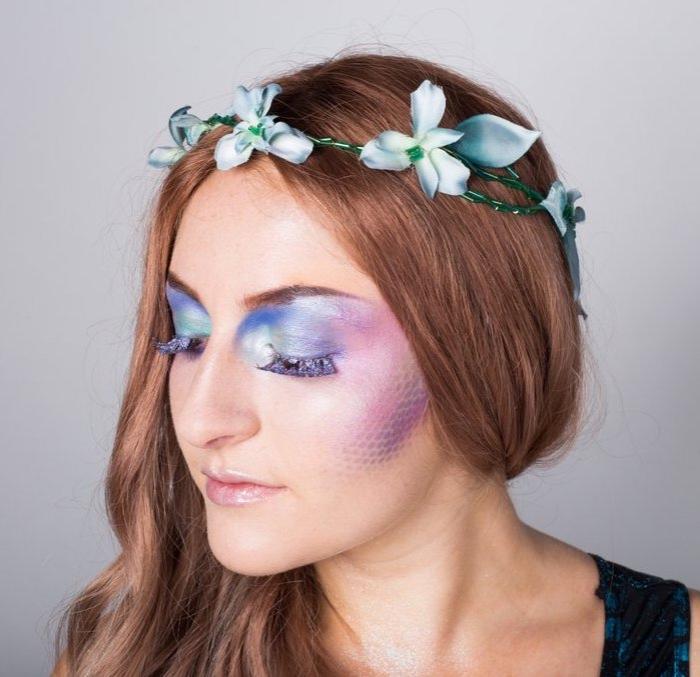 einfaches halloween make up ideen, meerjungfrau schminke anleitung, lila blauer und rosa lidschatten