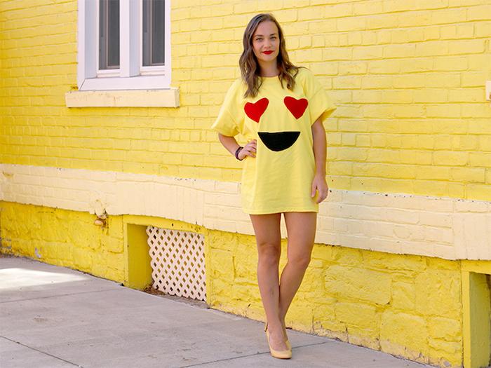 Emoji Kostüm für Halloween, gelbes Shirt selbst bedrucken, verliebten Emoji, Herzen als Augen