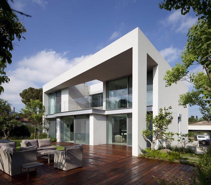 einfamilienhaus grundriss, ideen weißes haus, gestaltungideen, grüne gestaltung, haus mit glasoptik weiß
