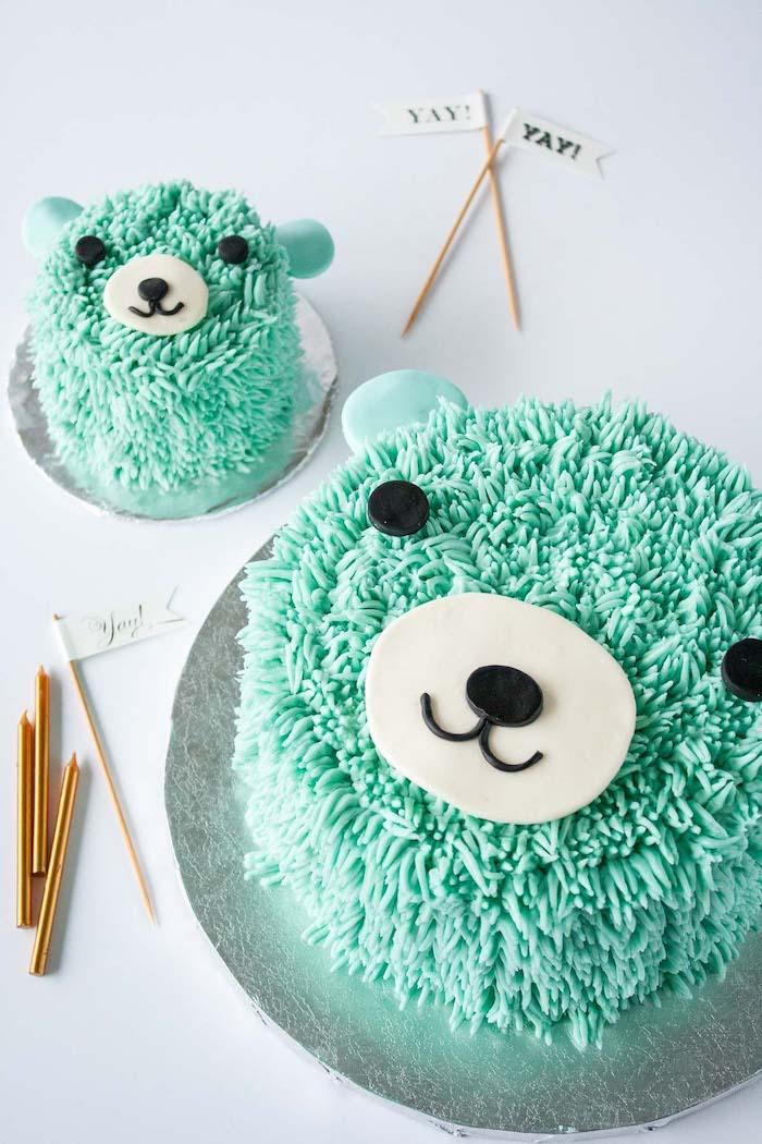 Zwei grüne Torten in Form von Bären, Torten für Taufe oder Kindergeburtstag, lustige Motive