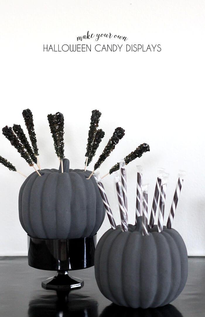 halloween bastelideen, süßigkeiten gestell aus kürbis selber machen, diy tutorial