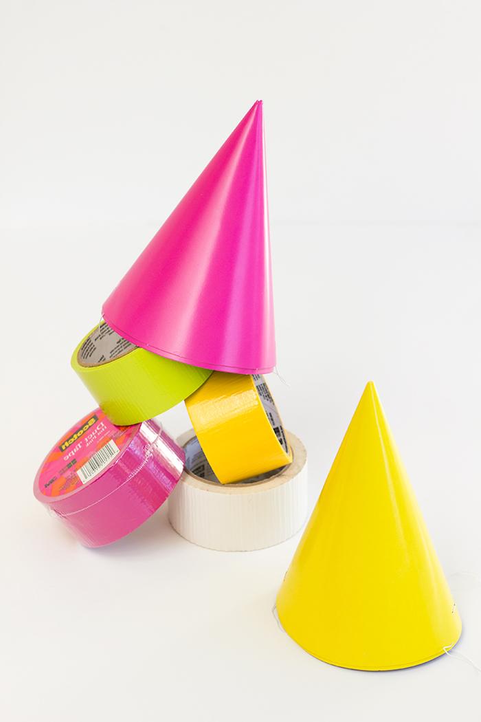 Monster Partyhütchen für Halloween Party selber machen, Materialien dazu, Basteln für Kinder