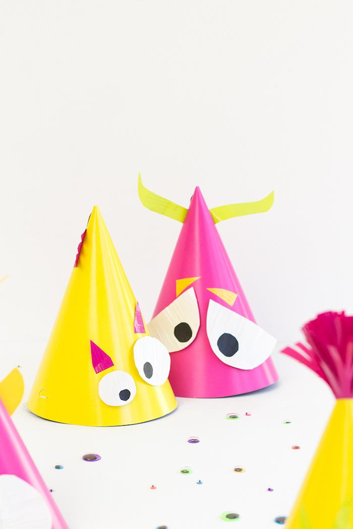 Monster Partyhütchen für gruselige Halloween Party, Bastelideen für Kinder mit Papier